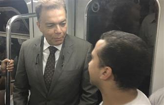 وزير النقل في جولة مفاجئة لمحطات مترو الأنفاق | صور