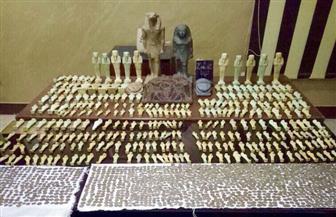بعد تنكر ضابط.. ضبط تشكيل عصابي للإتجار في الآثار وبحوزتهم ٥٣١١ قطعة من العصر الروماني