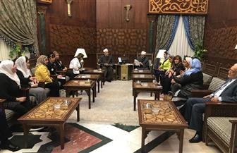 """شيخ الأزهر يستقبل وفدًا من المشاركات بـ""""مصر تستطيع بالتاء المربوطة"""".. ومطالبات بإنشاء مراكز إسلامية بالخارج"""