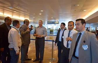 محافظ البحر الأحمر يتفقد الحالة الأمنية وإجراءات السفر بمطار الغردقة الدولي | صور