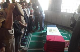 تشييع جثمان الشهيد محمد عبدالنبي في جنازة عسكرية في الفيوم   صور