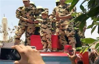 """ضابط سابق يناشد الرئيس السيسي اعتبار الشهيد حيًا حتى رتبة """"لواء"""" وحصول أسرته على كل المميزات"""