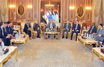القاهرة تستقبل وفدين من مصراتة والشرق.. إحياء المسار المصري- الإماراتي يؤجل نتائج باريس بخصوص ليبيا