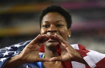 الأمريكية فرنسيس تفوز بذهبية سباق 400 متر في بطولة العالم لألعاب القوى