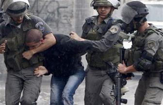 الاحتلال يعتقل 12 فلسطينيًا بالضفة ويقتحم مؤسسات إعلامية بالقدس