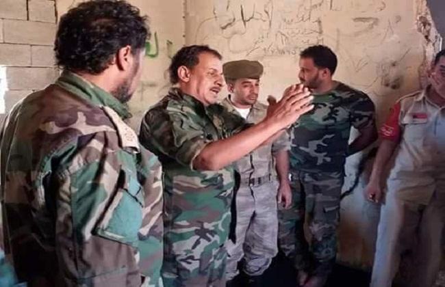 قائد عسكري ليبي يبحث مَع آمر مَجموعة عَمليات عُمر المُختار التّجهيز لتَحرير مَدينة دَرنة -