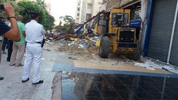 إزالة 6 كافيتريات شهيرة بالمعمورة الشاطئ في الإسكندرية | صور