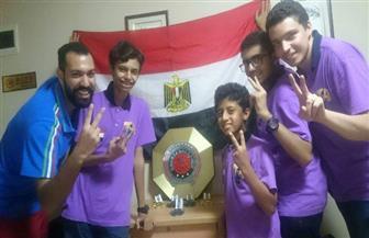 """فريق """"روبوتات السومو"""" المصري يحصد المركز الثاني عالميًا.. وأعضاؤه يسلمون """"علبة فول"""" للمتسابقين   صور"""