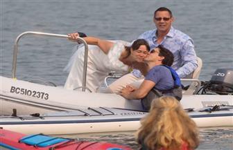 عروس كندية تترك عريسها وسط البحر وتصر على تقبيل رئيس الوزراء الوسيم | صور