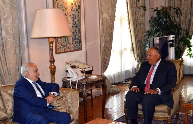 شكري  يبحث جهود تسوية الأزمة الليبية مع مبعوث الأمم المتحدة غسان سلامة -