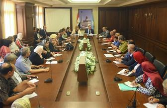 محافظ الإسكندرية يشدد على رؤساء الأحياء بإعداد خطة الطوارئ الاستباقية لاستقبال موسم الشتاء