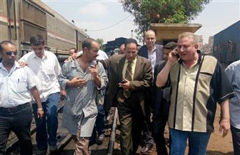 في أول جولة له.. رئيس هيئة السكة الحديد يستمع لمطالب السائقين ويوجه بانتظام الحركة