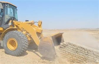 رئيس مدينة القصير يقود حملة لإزالة التعديات بالمدينة لاسترداد أراضي الدولة |صور