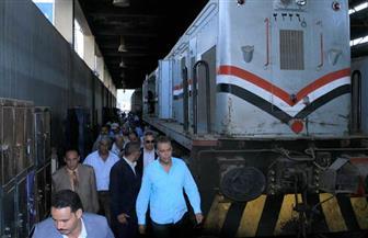وزير النقل للعاملين بورش أبو غاطس: توفير قطع الغيار قريبًا.. لن نسمح بخروج جرار دون فحص |صور