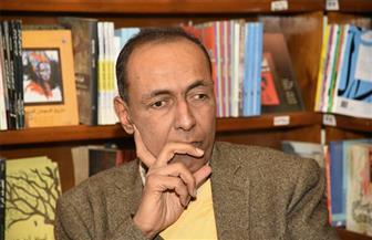 الموت يُغيب الروائي محمد زهران عن عمر يناهز 53 عامًا