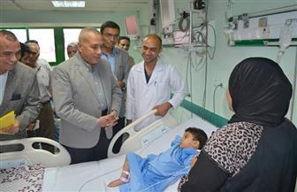محافظ السويس يتابع حالة باقي المصابين في حادث أتوبيسى السخنة بمستشفي التأمين الصحى