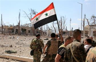 """الجيش السوري يعرض كميات هائلة من الأسلحة المصادرة من """"داعش"""" بدير الزور"""