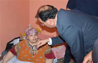 الشعراوي يزور مريضة سمنة بمركز أجا ويُشكل فريق طبي لفحصها |صور