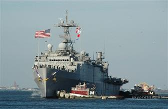 تصادم مدمرة أمريكية مزودة بصواريخ موجهة مع سفينة بسنغافورة