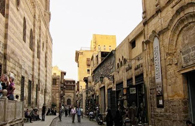 نائب المحافظ تطوير القاهرة التاريخية إعادة لتأهيل المنطقة السكنية وإنشاء مشروعات تعليمية وسوق تجارية