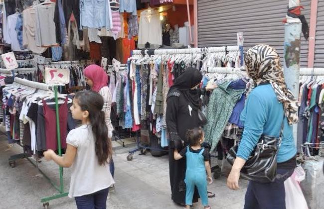 d7e3731ff7eaf لماذا يمتنع المصريون عن شراء ملابس العيد من وكالة البلح هذا العام ...