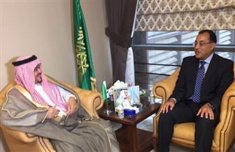 رئيس بعثة الحج يستعرض مع وزير الحج السعودي استعدادا للوقوف على عرفات