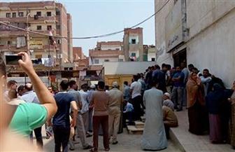 توافد المئات على مستشفى قويسنا المركزى عقب استشهاد أمينى شرطة | صور
