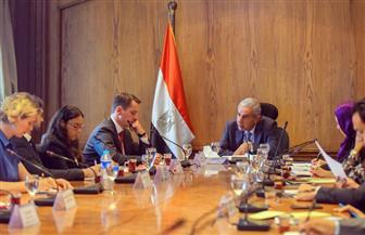 """خبراء: إشادة """"موديز"""" بالاقتصاد """"شهادة ثقة"""" تعزز استثمارات الأجانب في مصر"""