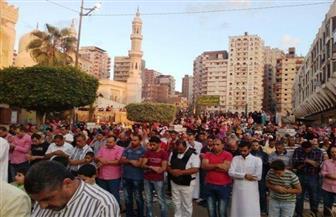 قيادات الإسكندرية يؤدون صلاة العيد بالمرسي أبو العباس