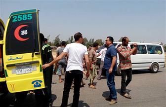 """مأساة في العيد.. مصرع 3 وإصابة 2 من أسرة واحدة فى حادث تصادم بين سيارة """"نقل"""" ودراجة نارية"""
