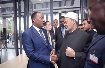 رئيس النيجر يلتقي شيخ الأزهر خلال مشاركته بمؤتمر السلام العالمي بألمانيا
