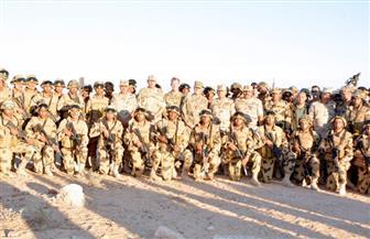 قائد القيادة المركزية الأمريكية يتفقد القوات المشاركة فى تدريبات النجم الساطع بقاعدة محمد نجيب | صور