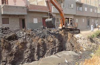 أشرف البيه: فتح طريق لأهالي سوالم أبنوب بعد إغلاقه بمخلفات الري|صور