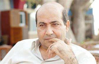طارق الشناوي: عادل إمام يفكر ألف مرة قبل الموافقة على أي عمل
