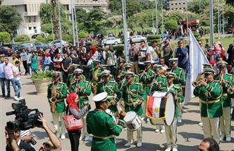 جامعة القاهرة تستقبل وزير التعليم العالي بالعزف الموسيقى في أول أيام الدراسة صور