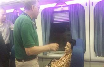 وزير النقل لركاب قطار الأقصر: الجرارات الجديدة وقطع الغيار ستغير منظومة السكة الحديد|  صور