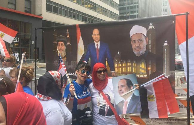 ترحيب حافل من الجالية المصرية في أمريكا بالرئيس السيسي   فيديو وصور -