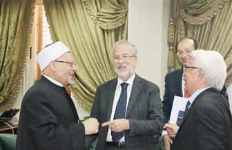 المفتي يستقبل السفير الإسباني بالقاهرة لبحث أوجه تعزيز التعاون في مجال مكافحة الإرهاب