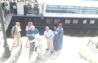 سوهاج تستقبل فوجًا سياحيًا متعدد الجنسيات يزور معبد أبيدوس بالبلينا