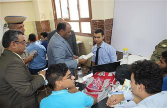 مدير أمن الغربية يوزع أدوات مدرسية مجانية على الطلاب بالمدارس   صور