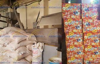 ضبط مصنع بدون ترخيص بداخله 300 طن حلوى أطفال مجهولة المصدر بالقناطر الخيرية | صور