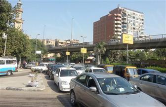 كثافات مرورية متوسطة بمحاور القاهرة والجيزة.. وتصادم سيارتين بمحور الثورة