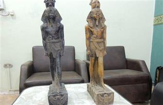 ضبط تمثالين يشتبه في أثريتهما بحوزة شخصين في طريق الإسكندرية القاهرة الصحراوي