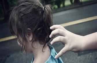 كشف ملابسات محاولة خطف طفلة من عقار بالوراق