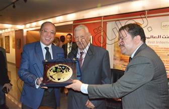 """تكريم مكرم محمد أحمد والفنانين التشكيليين فى احتفالية """"وادى النيل"""" بمؤسسة الأهرام  صور"""