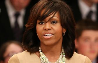ميشيل أوباما تكشف عن هدية ميلانيا ترامب لها على أعتاب البيت الأبيض العام الماضي