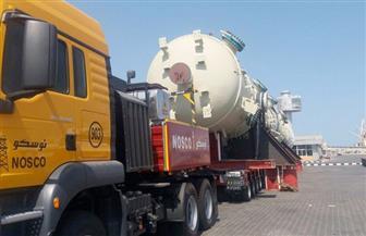 طوارئ بميناء سفاجا لتسهيل خروج 741 طن طرود ومعدات
