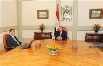 """السيسي يجتمع مع رئيس """"العاصمة الإدارية الجديدة"""" ويؤكد: واجهة حضارية مشرقة لمستقبل مصر"""