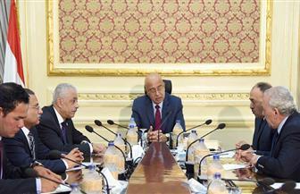 رئيس الوزراء: الحكومة تولي اهتماما بالغا بتطوير أداء المعلمين| صور