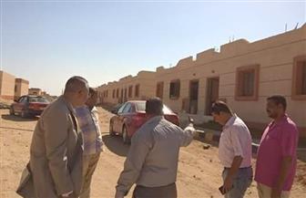 """نائب وزير الإسكان للتطوير الحضري يتفقد مشروع """"الروضة"""" بالغردقة  صور"""